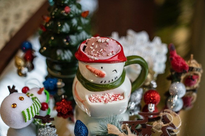 """THE """"WHAT'S IN SANTA'S MUG"""" COCKTAIL WITH PINOT NOIR, DARK CHOCOLATE, VANILLA, CREAM AND RED WINE MARSHMALLOWS."""