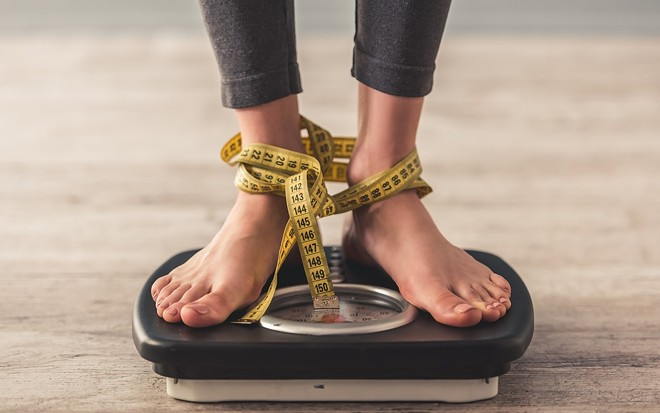 weight-loss-diet-concepts-weighing-scales-yellow-measuring-tape_1_.jpg