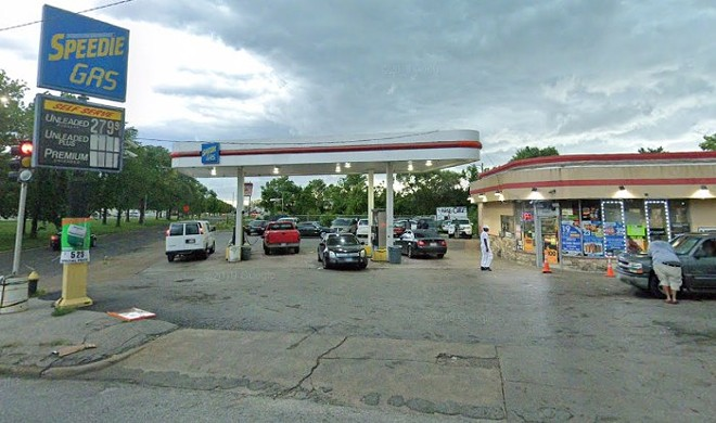 SWAT officers said Silas Smith's parking at Speedy Gas was suspicious. - GOOGLE STREET VIEW