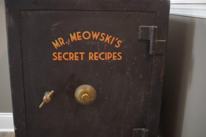 The secrets of Mr. Meowski's. - CHERYL BAEHR