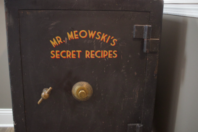 The secrets of Mr. Meowski's. - CHERYL BAEHR