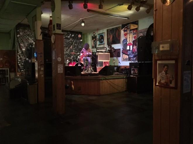 Lou Barlow of Dinosaur Jr soundcheck - PHOTO BY JAIME LEES