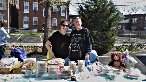 SUE JACKSON (LEFT) AND KALEN MCALLISTER (RIGHT) OF LAUGHING BEAR BAKERY