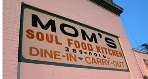 Mom's Soul Food Kitchen