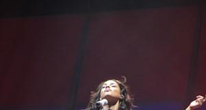 Alicia Keys, Jermaine Paul and Ne-Yo at the Scottrade Center, April 27, 2008.