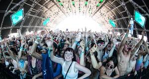 Coachella 2014 Sunday Lineup: Calvin Harris, Arcade Fire, Duck Sauce & More