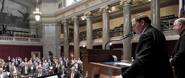 Hartmann: Missouri's Trump Party Fails Its Dear Leader