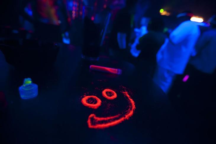 Electro Snow Glow