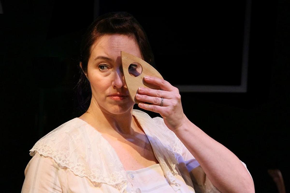 Emily Bach plays St. Louis spiritualist Pearl Curran.