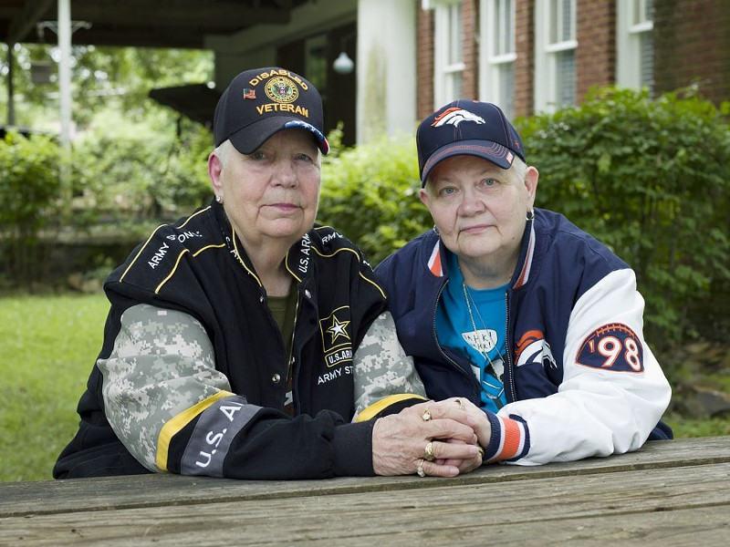 Hank, 76, and Samm, 67, Little Rock, AR. 2015 - COURTESY OF PROJECTS+GALLERY AND JESS T. DUGAN