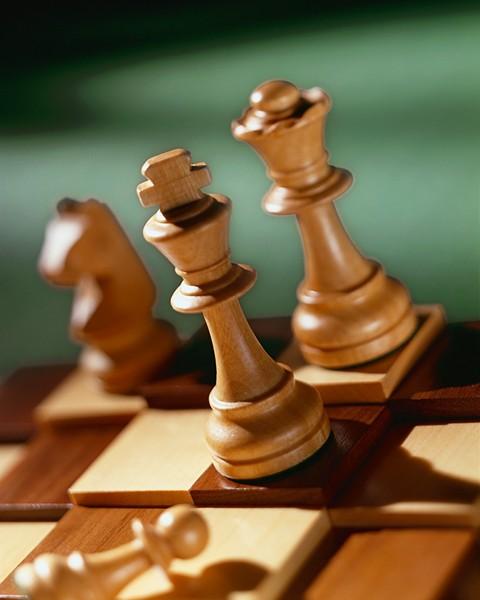 The chess match heats back up.