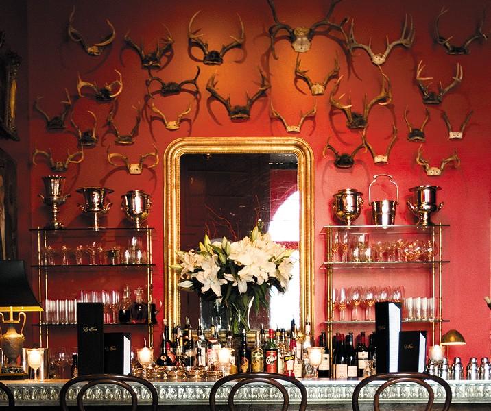 Bar Les Freres. - JENNIFER SILVERBERG