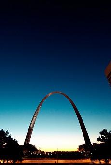 Gateway Arch Will Go Dark for the Birds, Beginning Monday