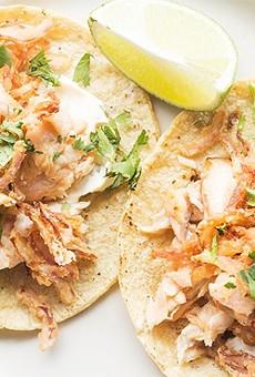 """""""Pescado blanco"""" tacos from Público"""