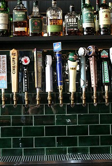 St. Louis bars and restaurants will be able to extend last call another hour under new COVID-19 protocols.