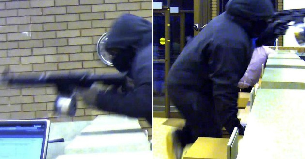 The robber escaped with an undisclosed amount of money. - IMAGE VIA FBI