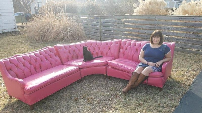 Here S The Story Behind That Vintage Hot Pink Sofa Everyone