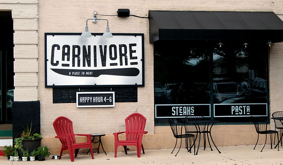Carnivore has outdoor seating as well along Shaw Ave. - LEXIE MILLER