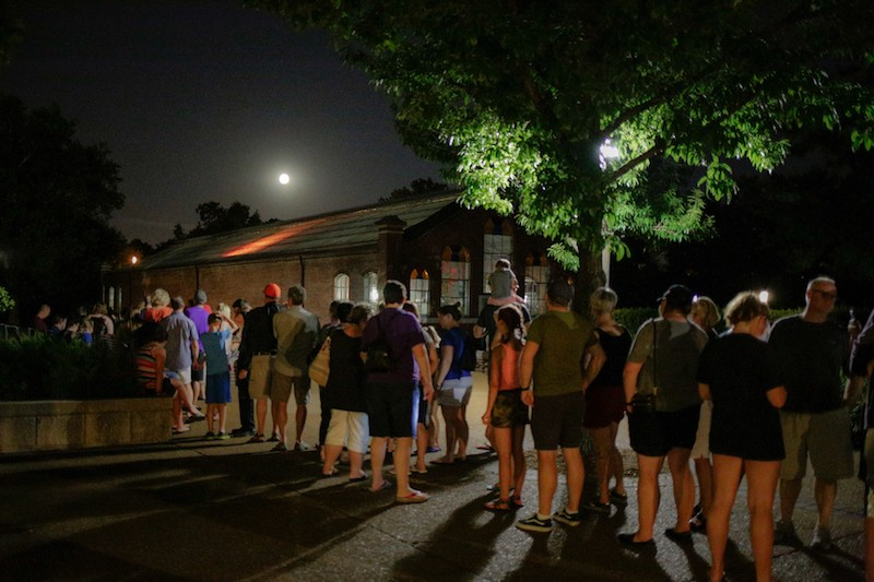 People line up to see the corpse flower in 2017. - COURTESY OF MISSOURI BOTANICAL GARDEN