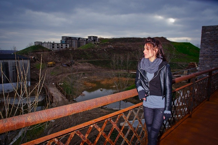Giovanna overlooks the main site of Cementland. So involved was Bob in the project that he temporarily moved his family to the site so he could work around the clock.