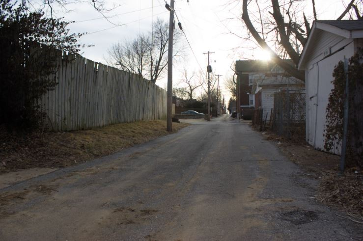 The alley where Stephon Averyhart ran down while trying to escape police pursuit. - DANNY WICENTOWSKI