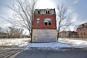 A vacant crumbles on the north side - PHOTO BY JENNIFER SILVERBERG