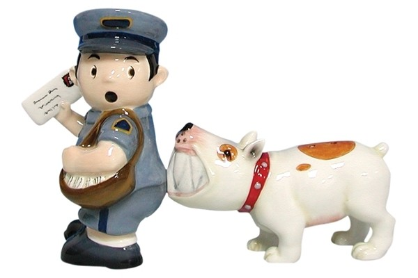 Mailman_Dog_Salt_Pepper_Shakers_6253_l.jpg