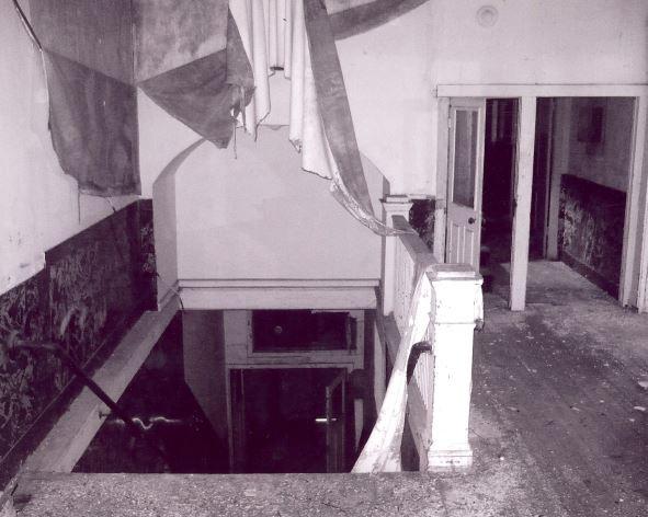ballroom_interior_staircase.JPG