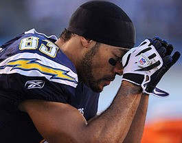 The Rams give Vincent Jackson a headache too. - IMAGE VIA