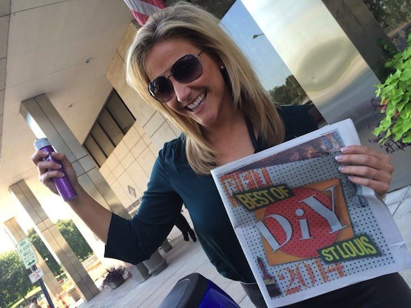 Laura Hettiger shows off her award-winning hairdo. - @LAURAKHETTIGER | TWITTER