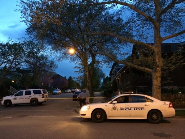 St. Louis police investigate a shooting. - LINDSAY TOLER