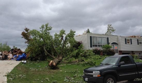 STL_tornado_damage_1.jpg