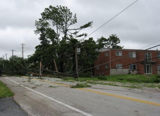 STL_tornado_damage_7.jpg
