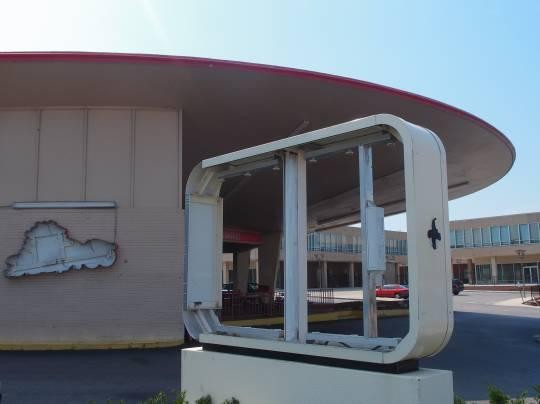 Del Taco is officially gone. Will the flying saucer stay? - ALBERT SAMAHA
