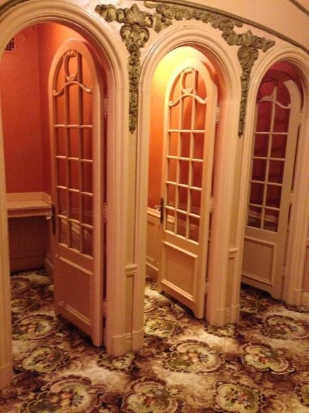 foxbathroom4.JPG