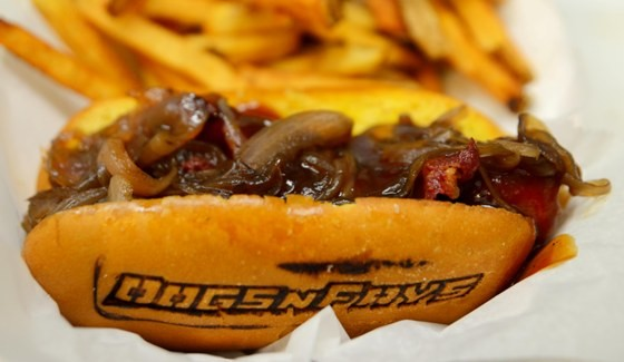 PEANUT BUTTER JELLY BACON DOG AT DOGS 'N FRYS | MO MANGAL