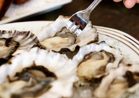 Oysters at DeMun Oyster Bar - JENNIFER SILVERBERG