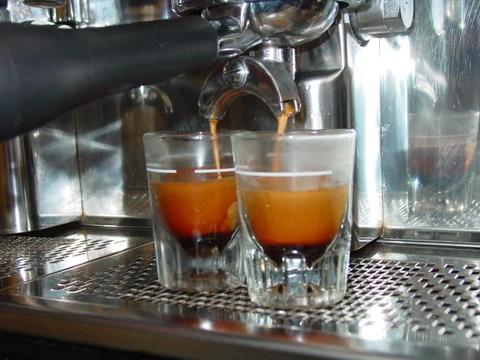 www.cafeatray.com