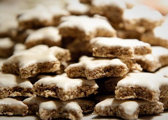 All the cookies, please. | Matthias Rhomberg