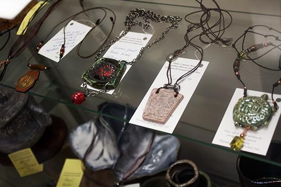 r_cafe_jewelry.jpg