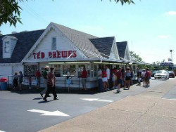 Ted Drewes Frozen Custard on Chippewa. - IMAGE VIA