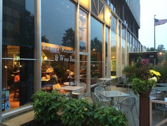 Remy S Kitchen And Wine Bar Happy Hour Report Card Food Blog