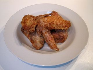 Lots of restaurants serve chicken wings. If one doesn't, please don't verbally assault the staff. - WIKIMEDIA COMMONS
