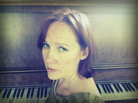 iris_dement_press_photo.jpg