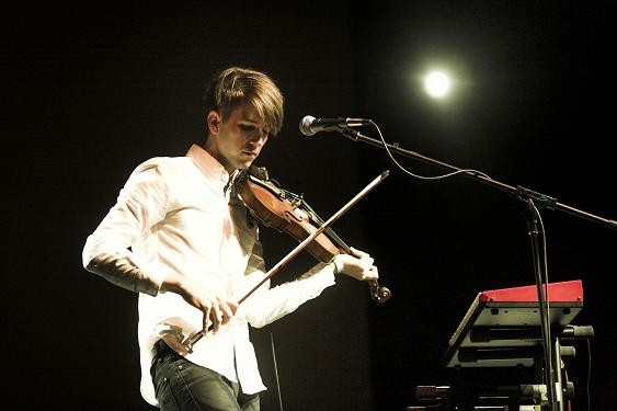 Owen Pallett, performing live. - DAVID WALDMAN