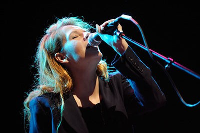 neko_case_at_the_pageant_9_24_08_st_louis.2576070.36.jpg