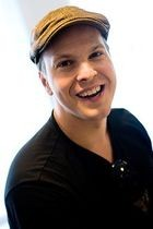 File_Gavin_degraw_june2009_thumb_140x210.jpeg