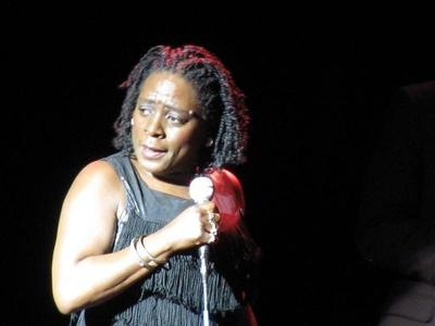 sharonjoneslook400_thumb_400x300.jpg