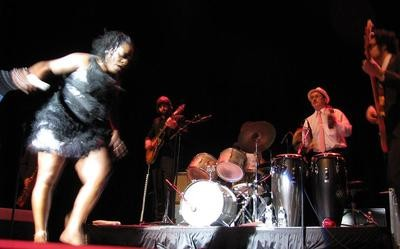 Sharon_Jones_in_Action_400_thumb_400x249.jpg