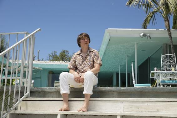 Paul Dano as Brian Wilson. - FRANCES DUHAMEL